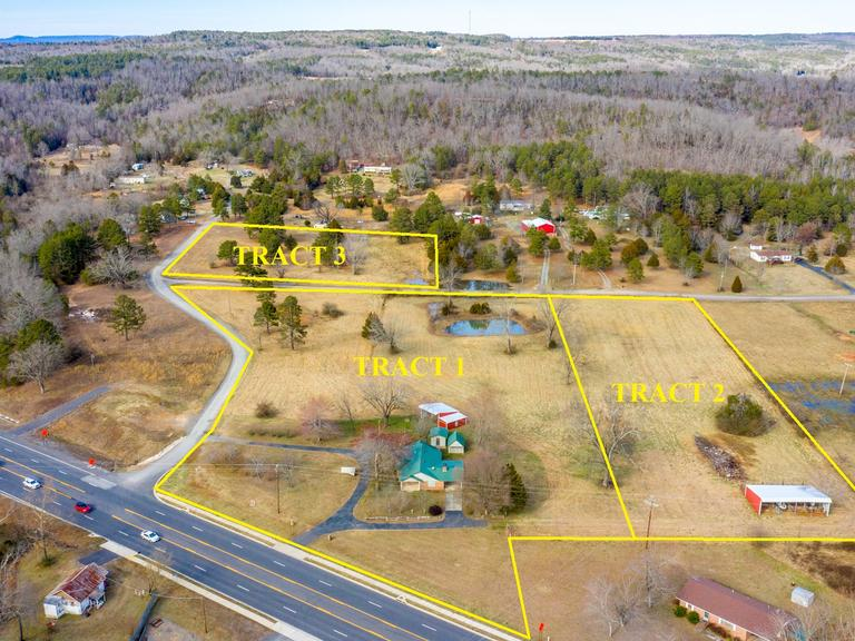 (TRACT 3) 3.3+/- Acre Lot that Fronts on Sweetgum Ln. & Redress Ln. w/Utility Connections